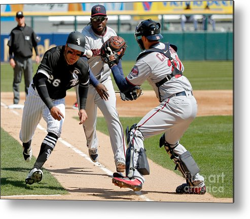 Second Inning Metal Print featuring the photograph Minnesota Twins V Chicago White Sox by Jon Durr