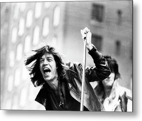 People Metal Print featuring the photograph Rolling Stones On Fifth Avenue by Fred W. McDarrah