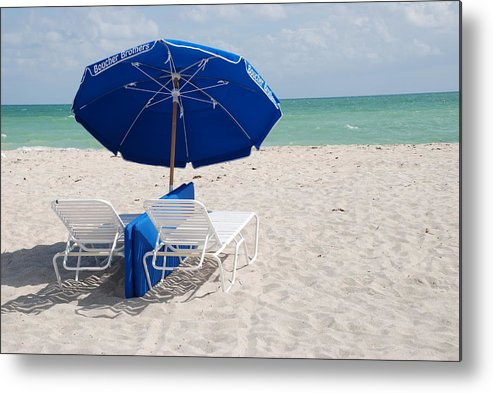 Sea Scape Metal Print featuring the photograph Blue Paradise Umbrella by Rob Hans