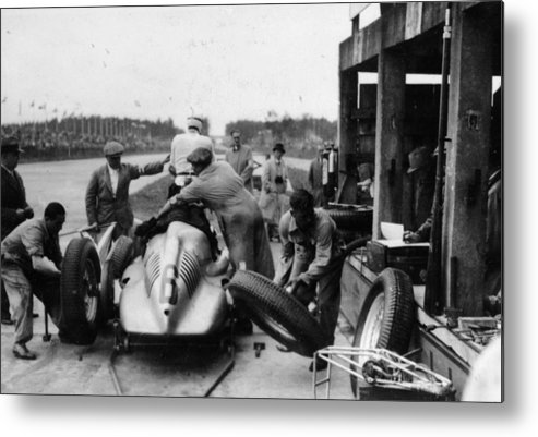 People Metal Print featuring the photograph Auto Union In The Pits During A Grand by Heritage Images