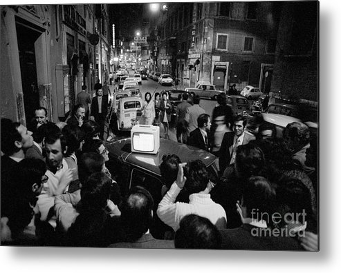 Crowd Of People Metal Print featuring the photograph Crowd Watching Election Results On Tv by Bettmann