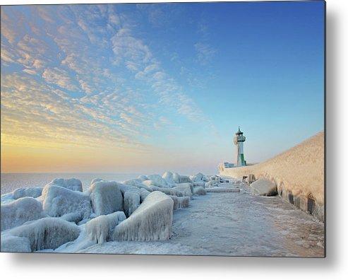 Dawn Metal Print featuring the photograph Frozen Lighthouse by Sandra Kreuzinger