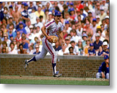 1980-1989 Metal Print featuring the photograph Keith Hernandez by Ron Vesely