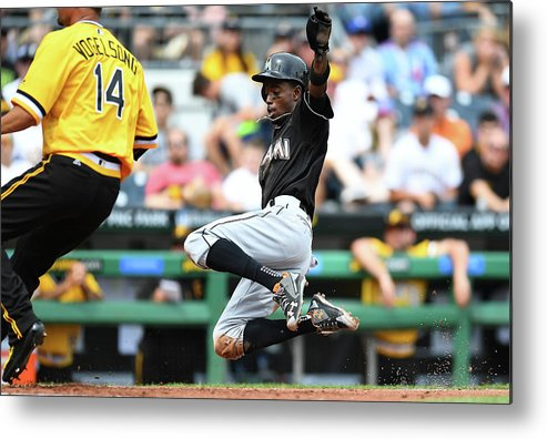 People Metal Print featuring the photograph Dee Gordon and Ryan Vogelsong by Joe Sargent