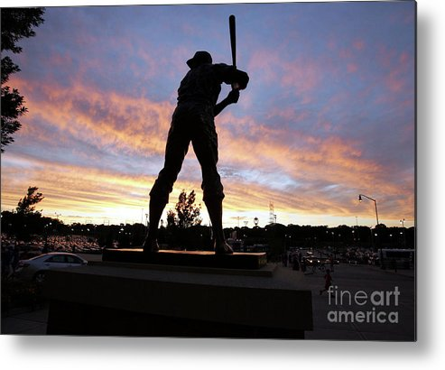 People Metal Print featuring the photograph Hank Aaron by Icon Sports Wire