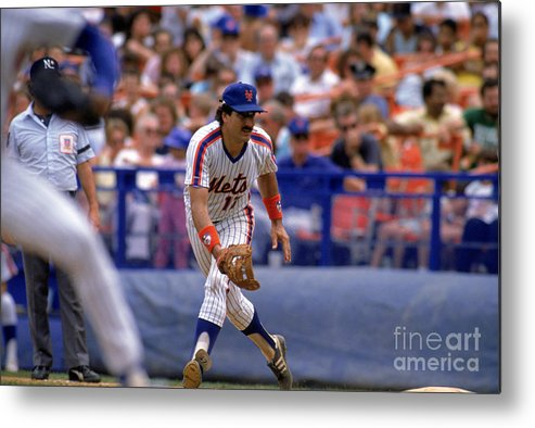 1980-1989 Metal Print featuring the photograph Keith Hernandez by Mike Powell