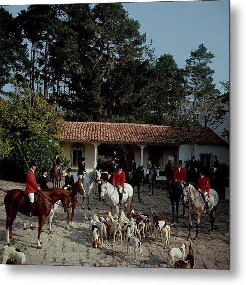 People Metal Print featuring the photograph Pebble Beach Hunt by Slim Aarons