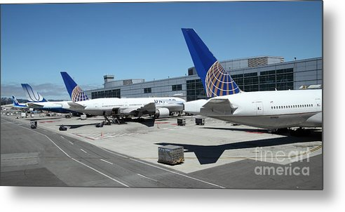 Transportation Metal Print featuring the photograph United Airlines Jet Airplane At San Francisco Sfo International Airport - 5d17116 by Wingsdomain Art and Photography