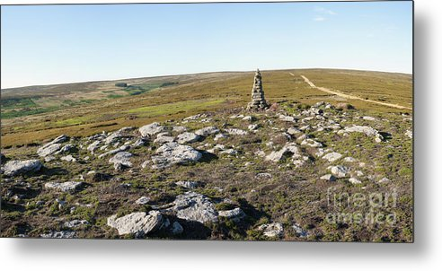 Iron Howe Metal Print featuring the photograph Iron Howe On Cow Ridge by Gavin Dronfield