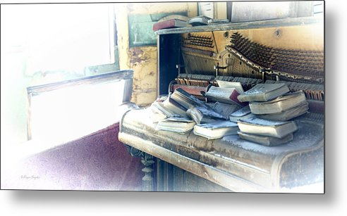 Unique Metal Print featuring the photograph Piano 4 by Roger Snyder