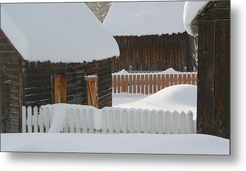 Dusty Demerson Metal Print featuring the photograph Barns And Fences by Dusty Demerson