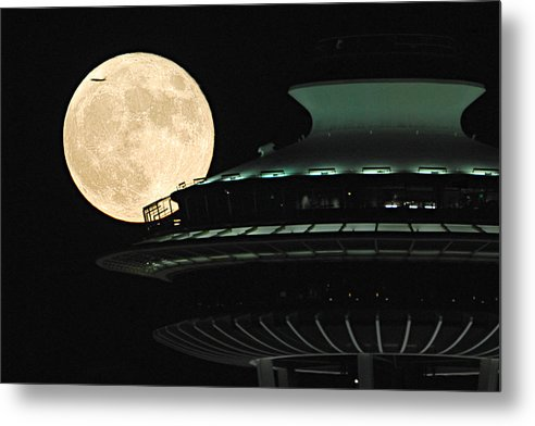 Seattle Metal Print featuring the photograph Fly Me To The Moon A331 by Yoshiki Nakamura