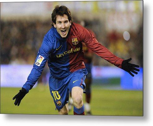 Horizontal Metal Print featuring the photograph Messi 1 by Rafa Rivas