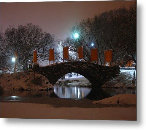 Bridge Metal Print featuring the photograph Crossing Gapstow Bridge by Sam Oppenheim
