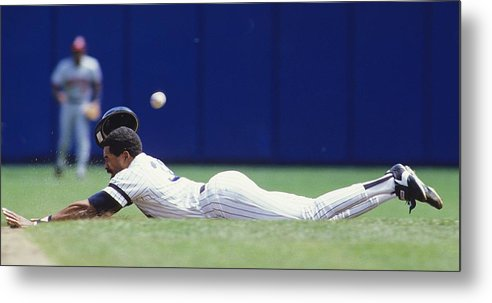 1980-1989 Metal Print featuring the photograph Dave Winfield by Ronald C. Modra/sports Imagery