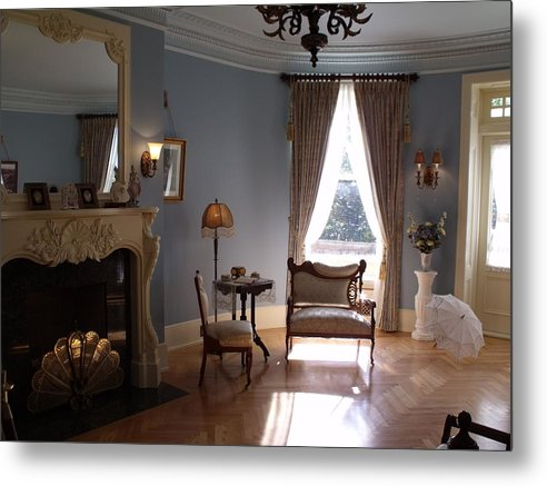 Vintage Metal Print featuring the photograph Vintage Sitting Room by Carolina Russell