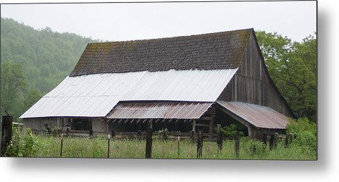Old Metal Print featuring the photograph Old Big Barn Washington State by Laurie Kidd