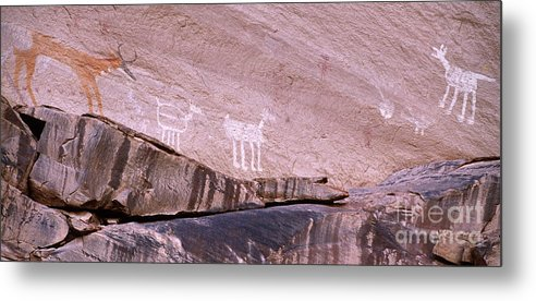 Antelope House Ruin Metal Print featuring the photograph Antelope House Petroglyphs by Bob Christopher