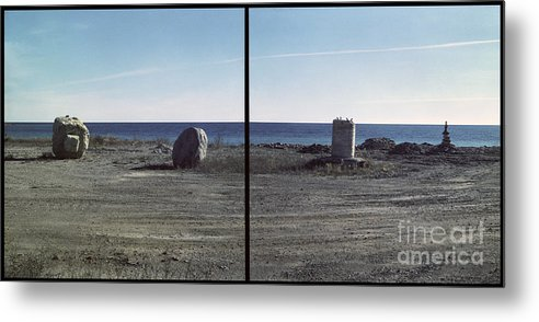 C0134a3 Metal Print featuring the photograph Column And Rock by Ty Lee
