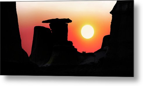 Middle Earth Metal Print featuring the photograph Hoodoo Sunrise by John Poon