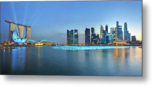 Tranquility Metal Print featuring the photograph Singapore Marina Bay by Fiftymm99
