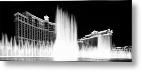 Bellagio Metal Print featuring the photograph Oasis by Amit Shinde