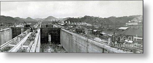 Technology Metal Print featuring the photograph Panama Canal Construction 1910 by Photo Researchers