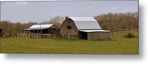 Barn Metal Print featuring the photograph Barn In The Ozarks by Marty Koch