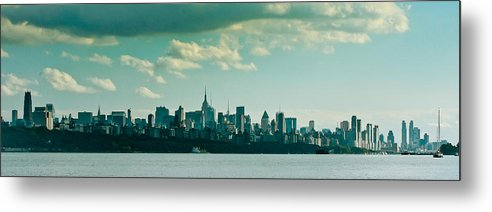 Building Color River Nyc Skyline Landscape Cityscape B&w Metal Print featuring the photograph Nyc 958 by Arthur Sa