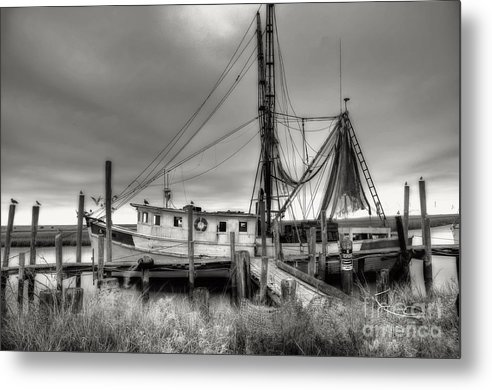 Shrimp Boat Metal Print featuring the photograph Lowcountry Shrimp Boat by Scott Hansen