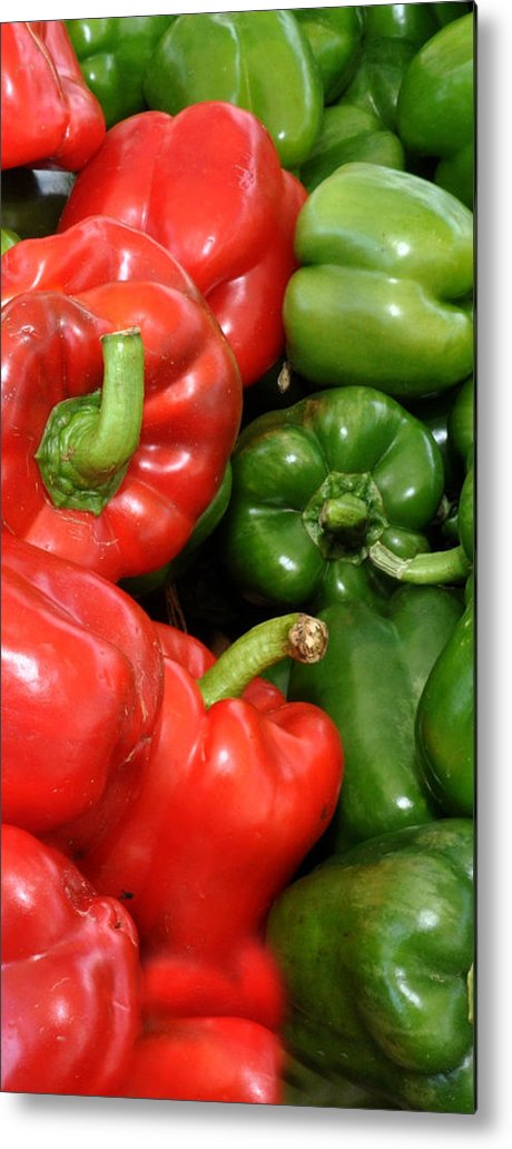 Red And Green Peppers Metal Print featuring the photograph Red And Green Peppers I Phone Case by Diane Lent