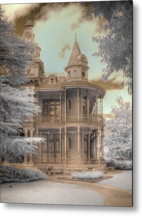 Littlefield Home Metal Print featuring the photograph Littlefield Mansion by Jane Linders