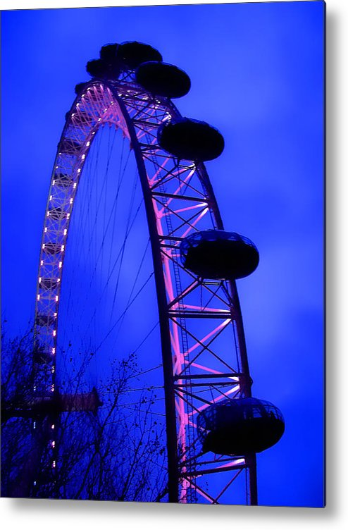 Eye Metal Print featuring the photograph Eye Of London by Roberto Alamino
