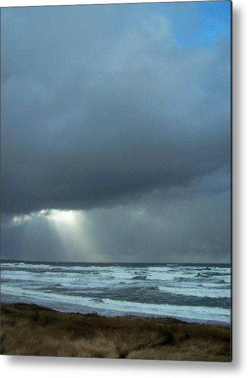 Beach Metal Print featuring the photograph N.w. Beach Rays by Gene Ritchhart