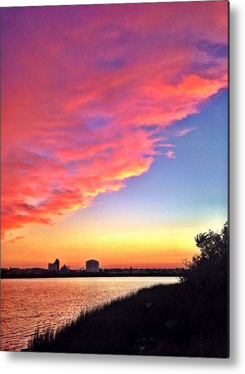Sunset Metal Print featuring the photograph Riverside Skyline by Lisa Pearlman