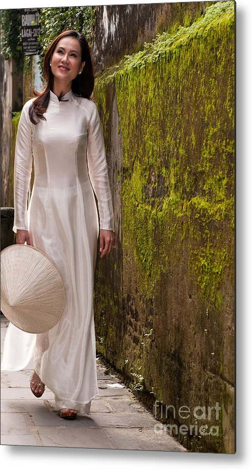 Vietnam Metal Print featuring the photograph Ao Dai 03 by Rick Piper Photography