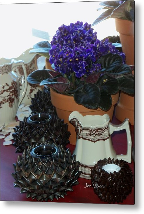 Ron's--a Nursery And Antique Boutique Store In Grover Beach Ca Metal Print featuring the photograph Amazing Still Life Scenes At Ron's In Grover Beach Ca by Jan Moore