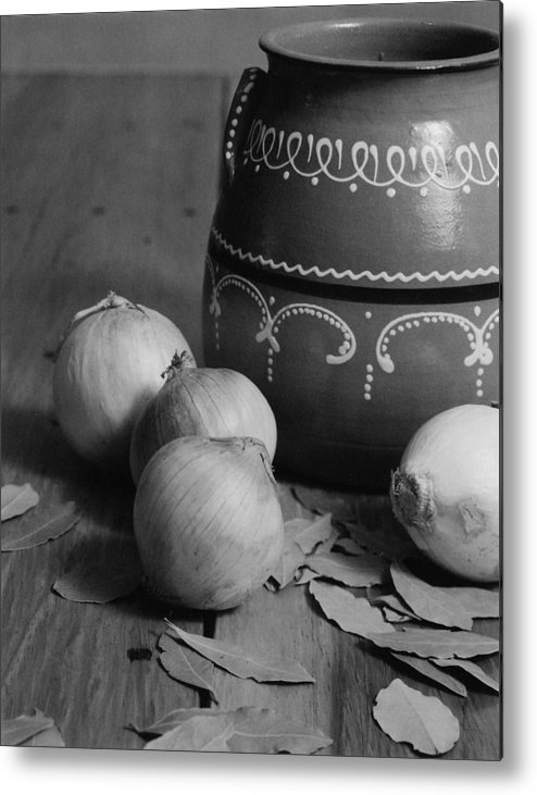 Cooking Metal Print featuring the photograph Laurel And Onions by Henry Krauzyk