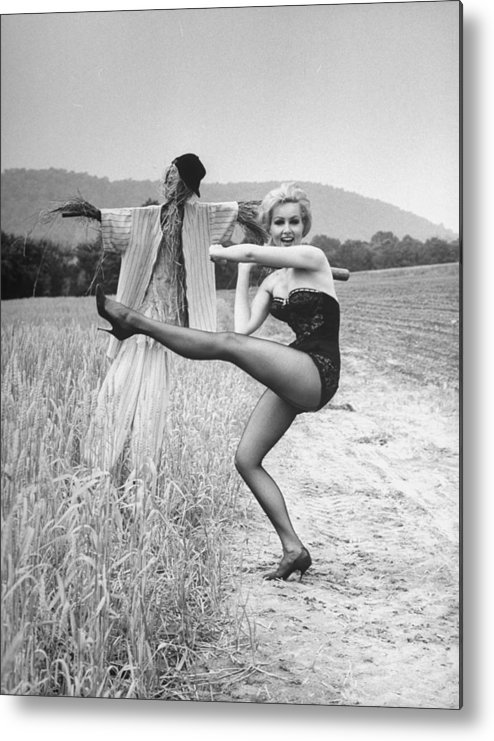 Timeincown Metal Print featuring the photograph Julie Newmar by Nina Leen