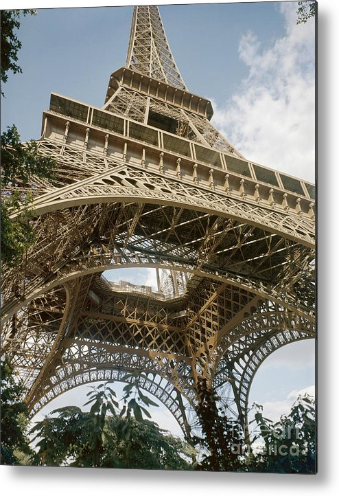 20th Century Metal Print featuring the photograph Paris: Eiffel Tower by Granger