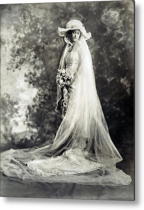 1920 Metal Print featuring the photograph New York: Bride, 1920 by Granger
