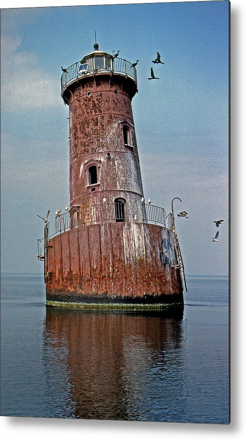 Md Metal Print featuring the photograph Sharps Island Lighthouse by Skip Willits