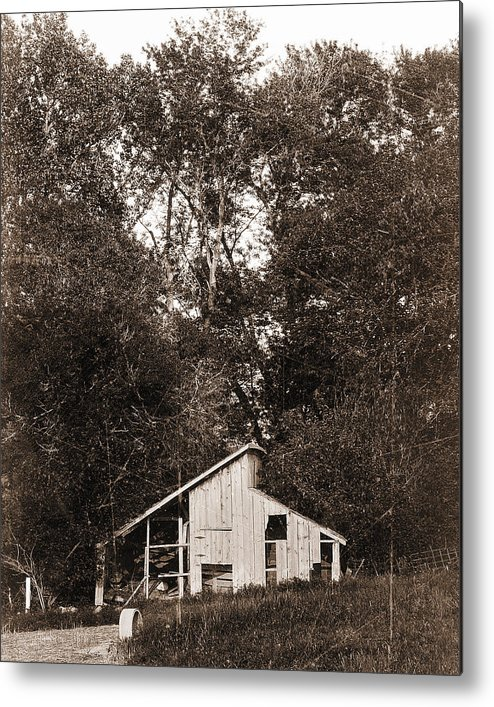 Shack Metal Print featuring the photograph Iowa Shack by Sleepy Weasel