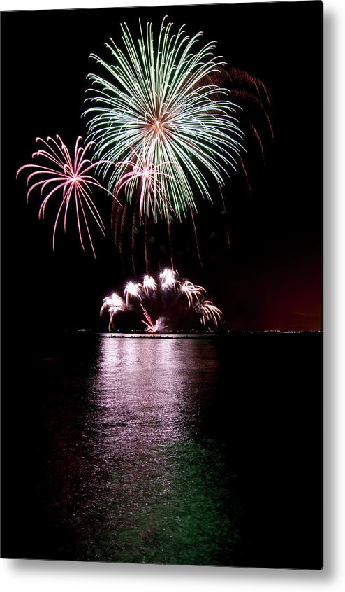 Lake Michigan Metal Print featuring the photograph Chicago Fireworks by 400tmax