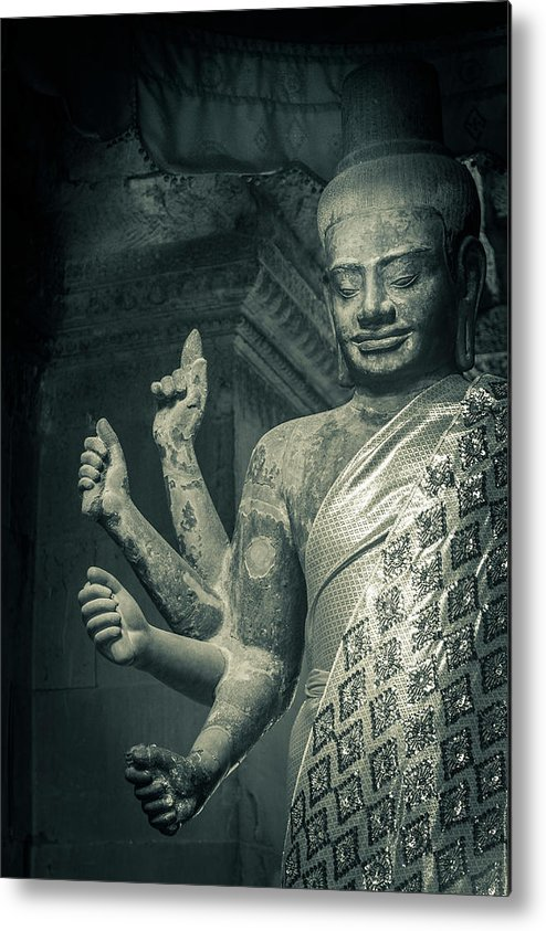 Statue Metal Print featuring the photograph Angkor Wat by Www.sergiodiaz.net