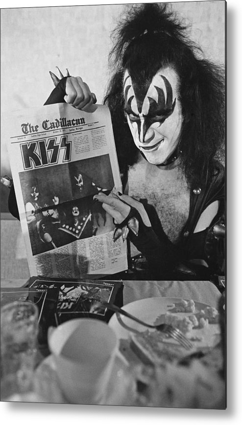 Kiss Metal Print featuring the photograph Kiss In Michigan by Fin Costello