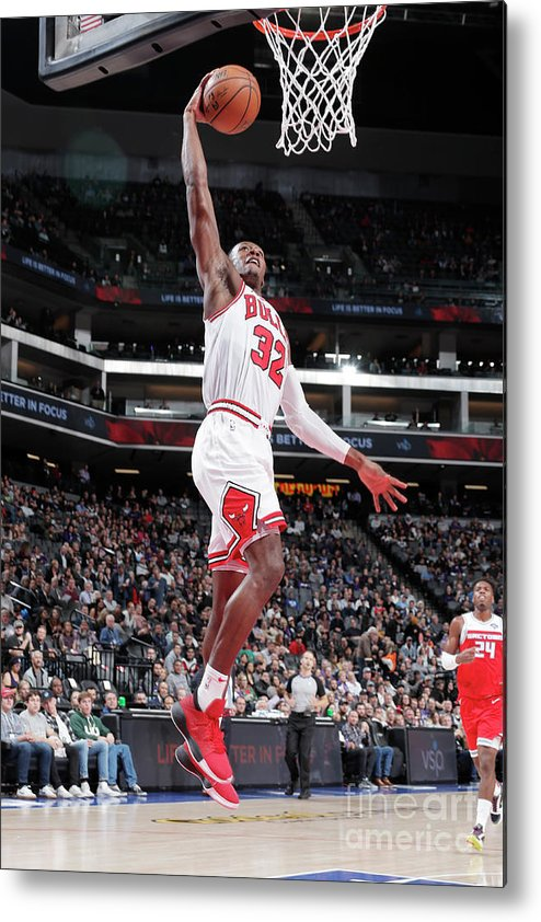 Chicago Bulls Metal Print featuring the photograph Chicago Bulls V Sacramento Kings by Rocky Widner