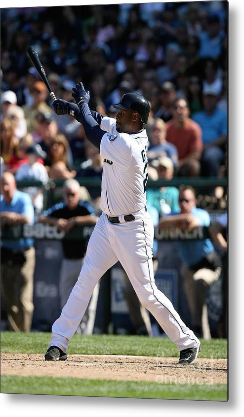 People Metal Print featuring the photograph New York Yankees V Seattle Mariners by Otto Greule Jr