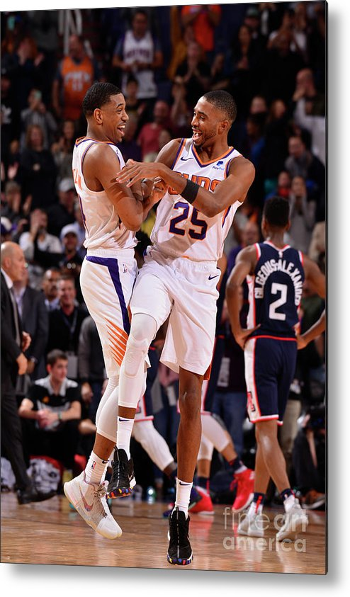 Nba Pro Basketball Metal Print featuring the photograph Los Angeles Clippers V Phoenix Suns by Barry Gossage