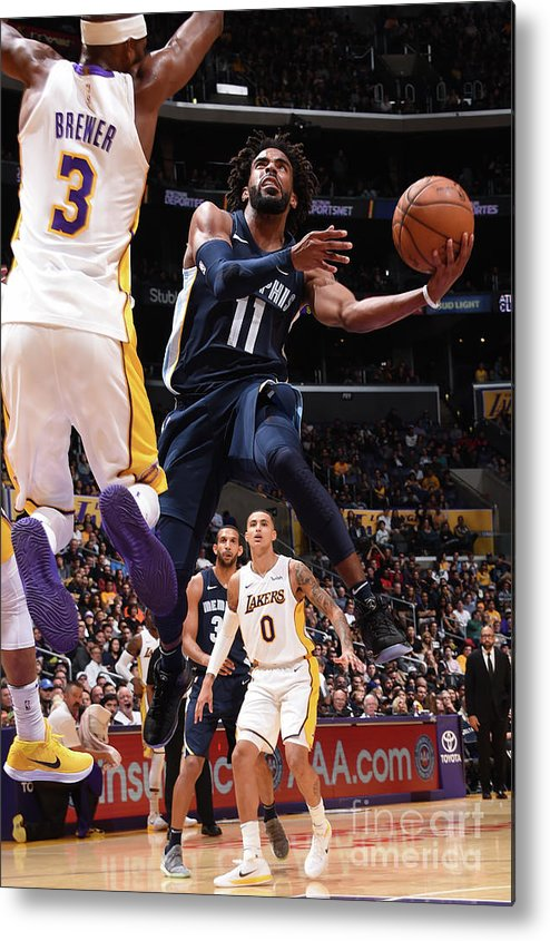 Nba Pro Basketball Metal Print featuring the photograph Memphis Grizzlies V Los Angeles Lakers by Andrew D. Bernstein